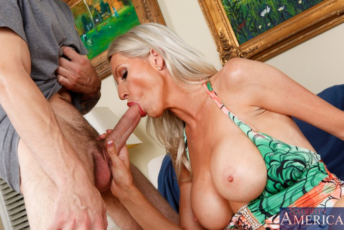 Emma Starr Dick Sucking